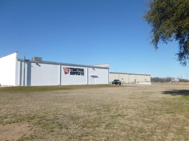 CC Woodson,Brownwood,Texas 76801,Commercial,CC Woodson,1012